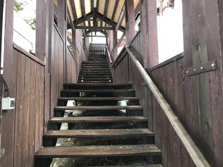 escaliers studio front de neige les carroz