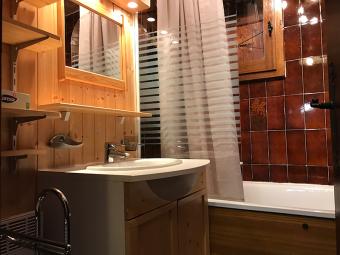 salle de bain studio carroz araches